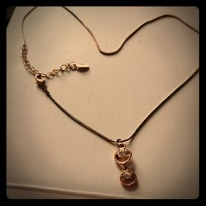 Vintage style cute shiny gold color necklace